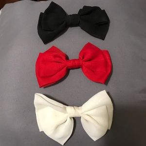 Women's red white and black bow set